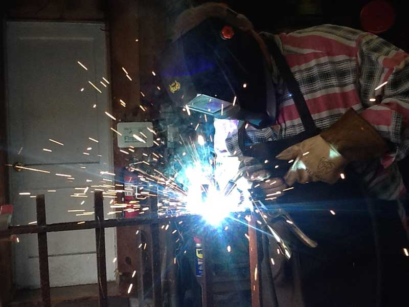 ed-working-welding