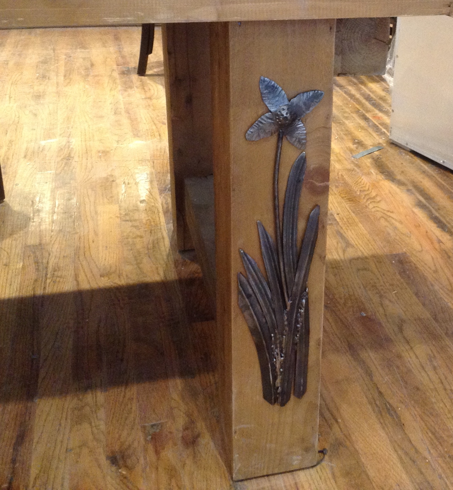 Hand Forged Flower Motif On Wooden Table Leg Flower Decoration ...
